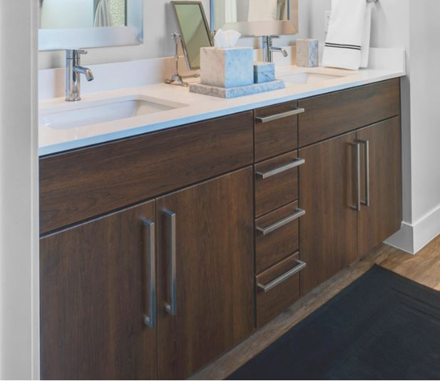 Maximize space in your bathroom bel adaire magazine - Maximize space in small bathroom ...